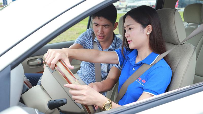 Học bằng lái xe hạng B1