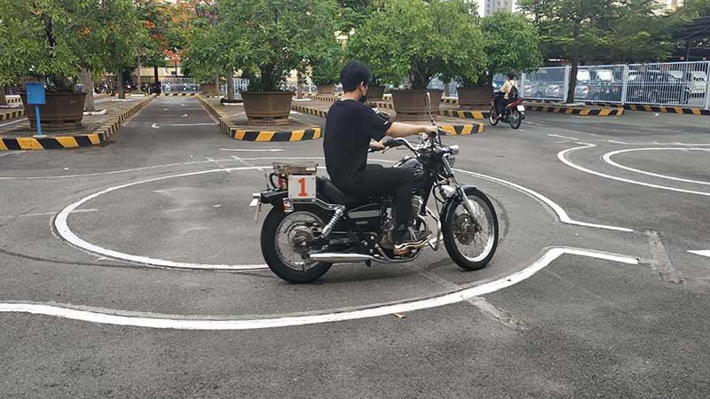 Học thực hành lái xe moto A2