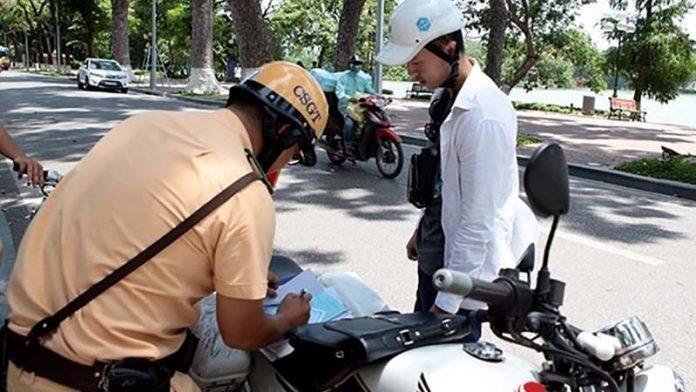 Mức phạt khi không có bằng lái xe máy